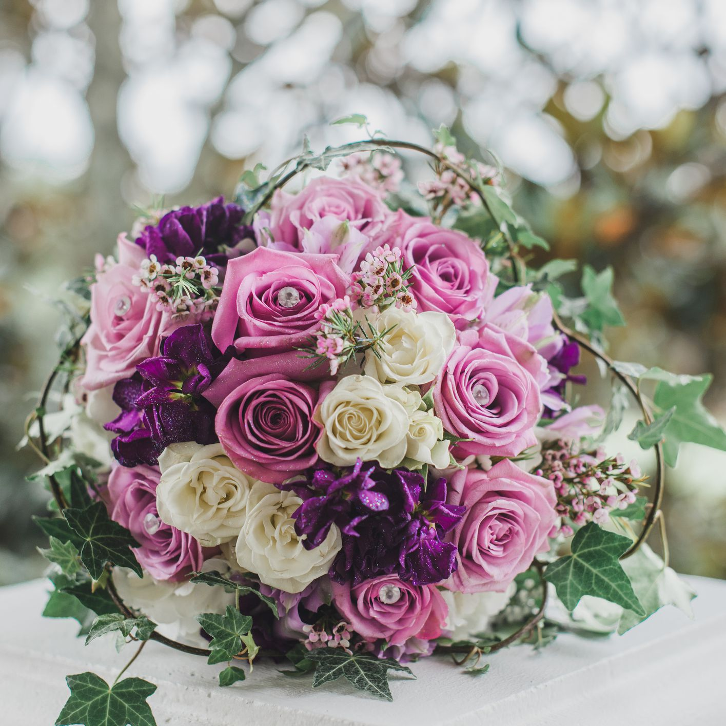 ideas to choose the beauty and elegance of white and purple wedding flowers 4 - Ideas to Choose the Beauty and Elegance of White and Purple Wedding Flowers