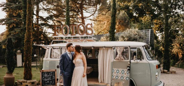 Wedding in pastel blue and gold - love for the wedding
