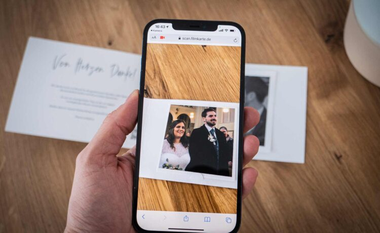 Your Augmented Reality (AR) invitation card - love for the wedding