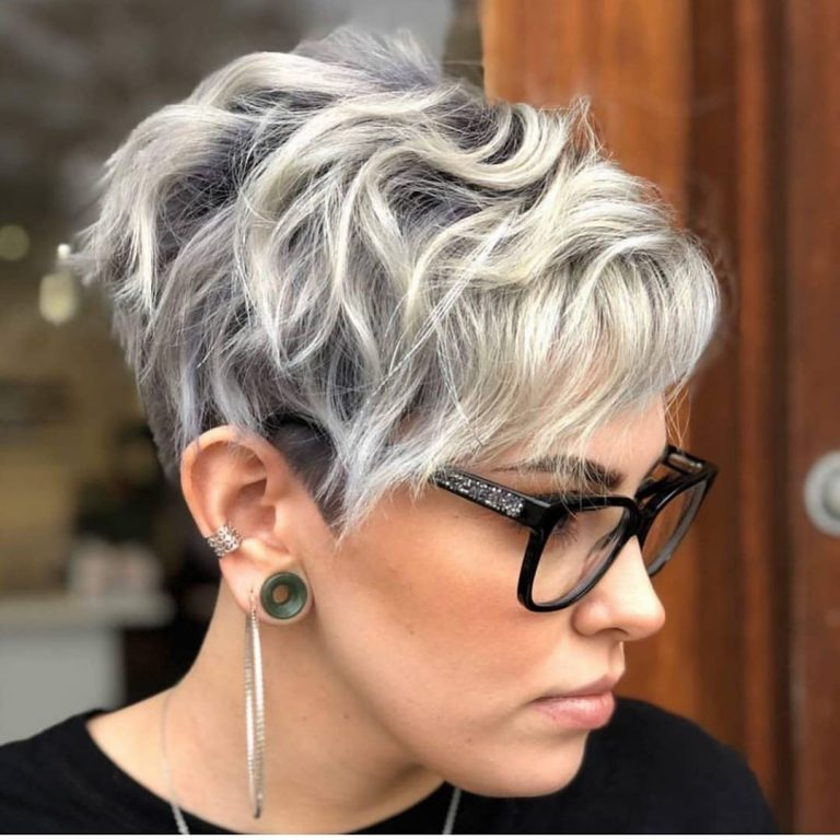 1632825768 437 6 Pixie Style Short Haircuts To Get Inspiration For Your - 6 Pixie Style Short Haircuts To Get Inspiration For Your Next Hairstyle