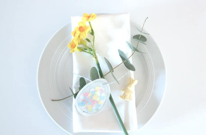 Make cute Easter table decorations Easy Easter egg Easter 700x460 - Make cute Easter table decorations> Easy Easter egg & Easter bunny DIY