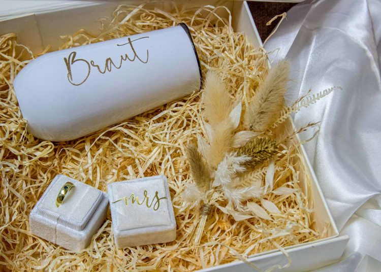 Put together a gift box for the bride maid of - Put together a gift box for the bride, maid of honor & Co.
