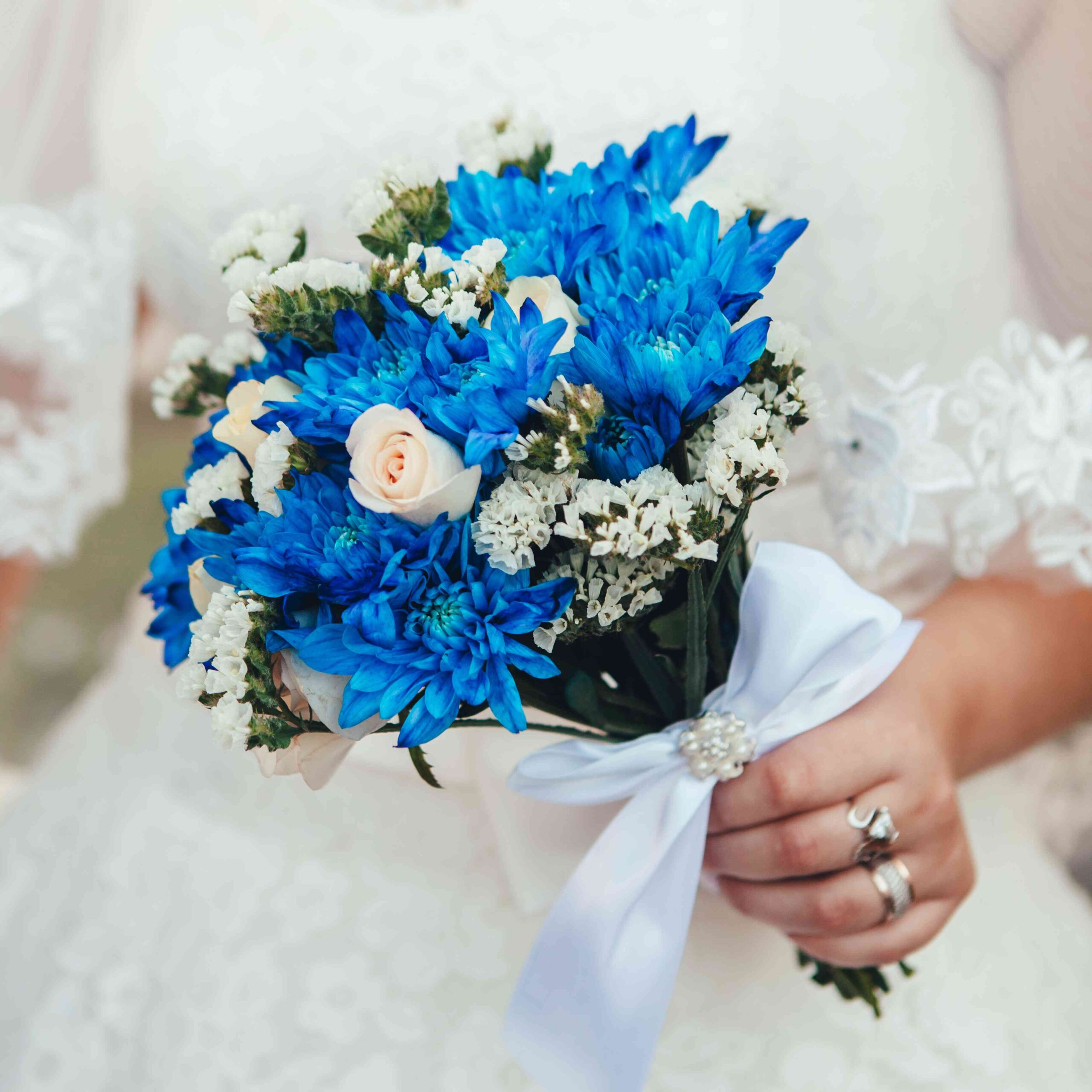 choose blue roses wedding bouquets for your wedding 5 scaled - Choose Blue Roses Wedding Bouquets for Your Wedding