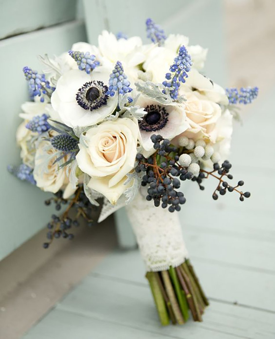 choose blue roses wedding bouquets for your wedding 6 - Choose Blue Roses Wedding Bouquets for Your Wedding