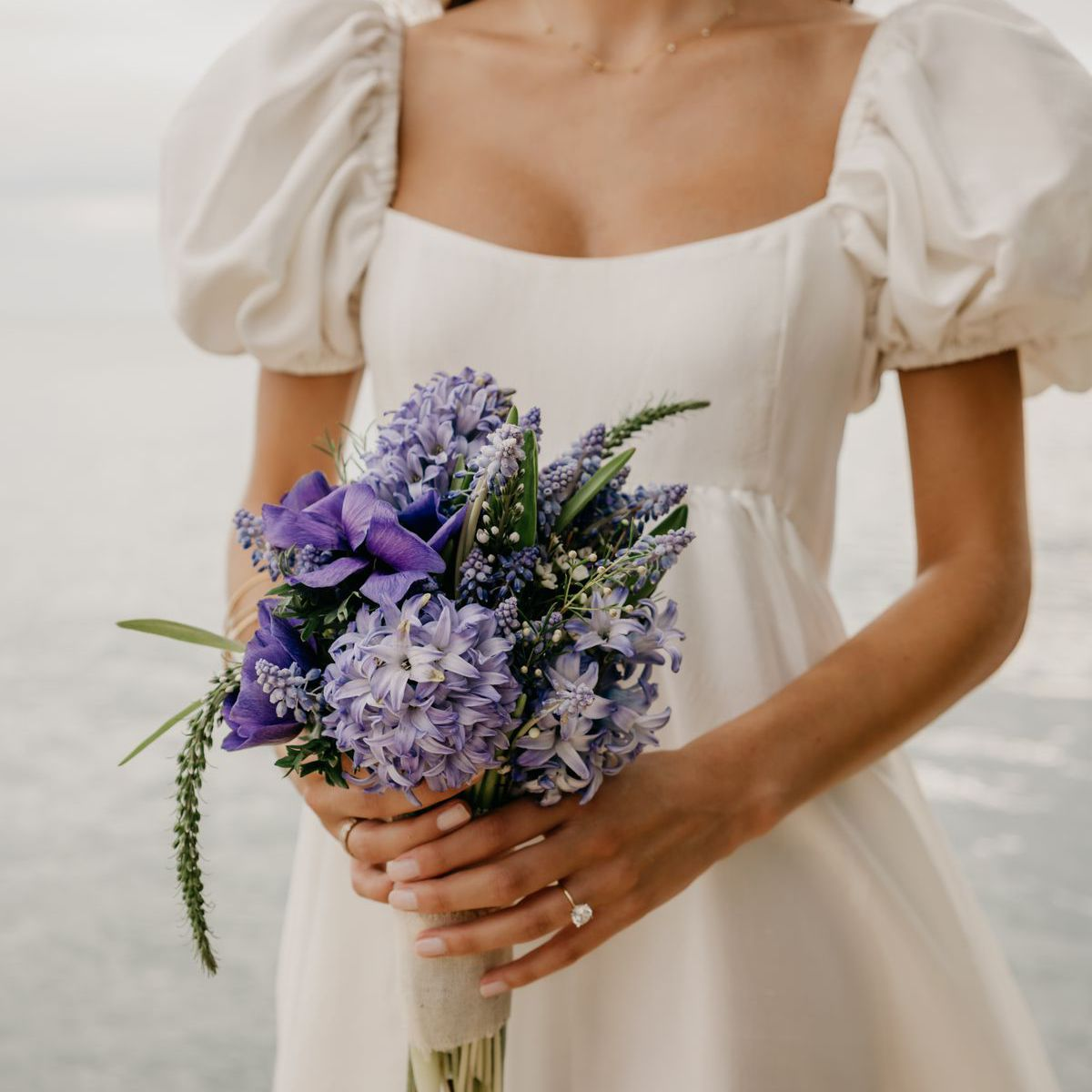 choose blue roses wedding bouquets for your wedding 7 - Choose Blue Roses Wedding Bouquets for Your Wedding