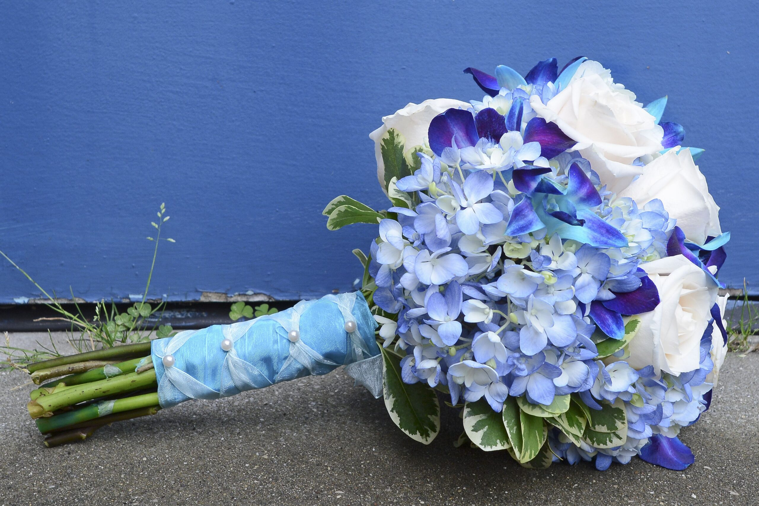 choose blue roses wedding bouquets for your wedding 9 scaled - Choose Blue Roses Wedding Bouquets for Your Wedding