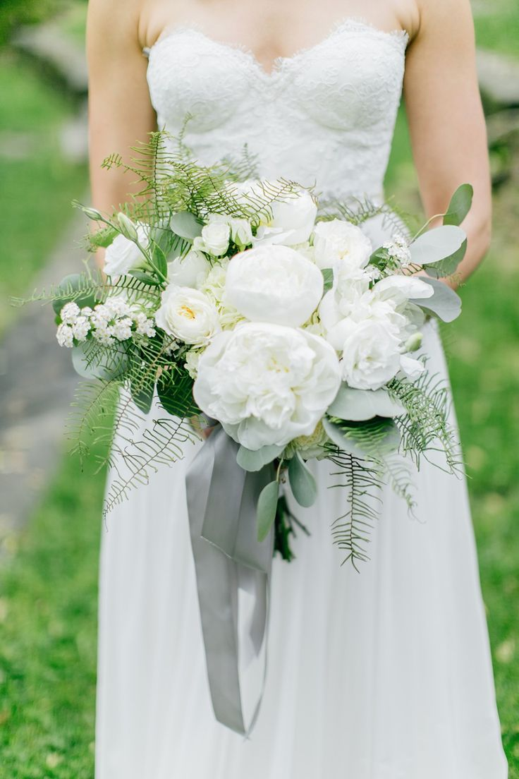 choose greenhouse wedding bouquets for your wedding 2 - Choose Greenhouse Wedding Bouquets for Your Wedding