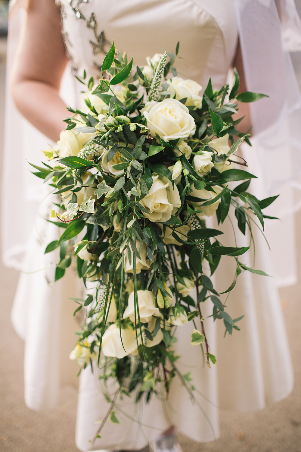 choose natural hand tied wedding bouquets for the wedding 2 - Choose Natural Hand Tied Wedding Bouquets for the Wedding