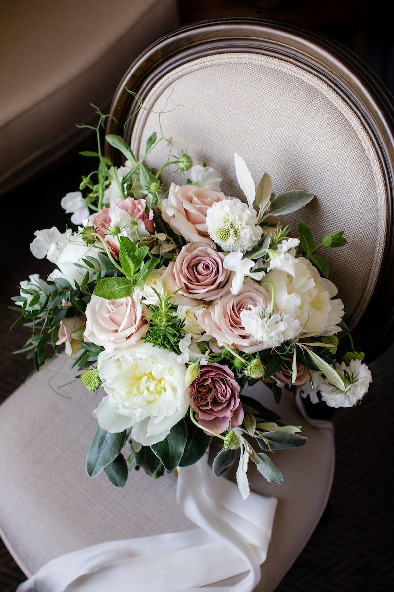 choose natural hand tied wedding bouquets for the wedding 3 - Choose Natural Hand Tied Wedding Bouquets for the Wedding
