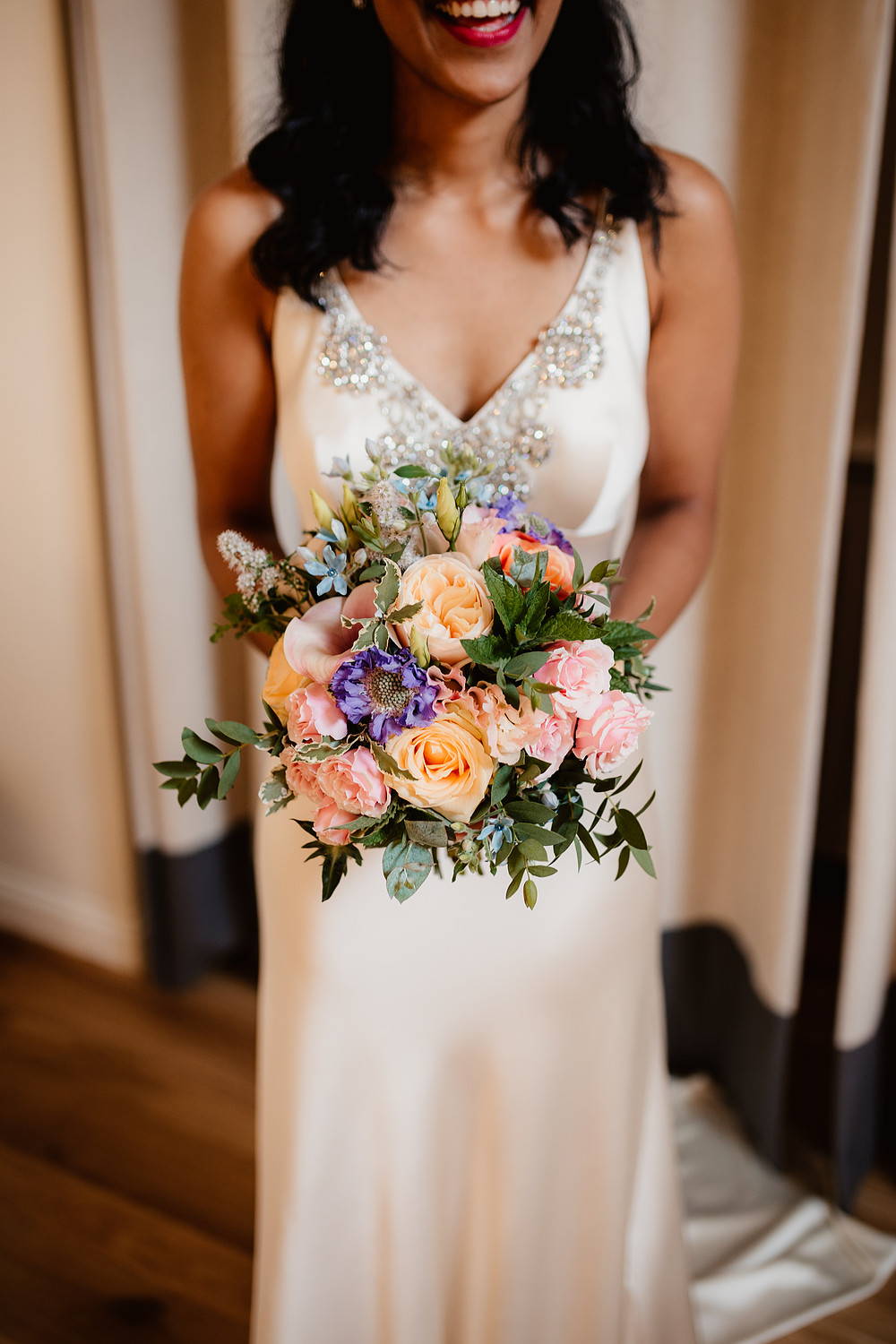 choose natural hand tied wedding bouquets for the wedding 4 - Choose Natural Hand Tied Wedding Bouquets for the Wedding