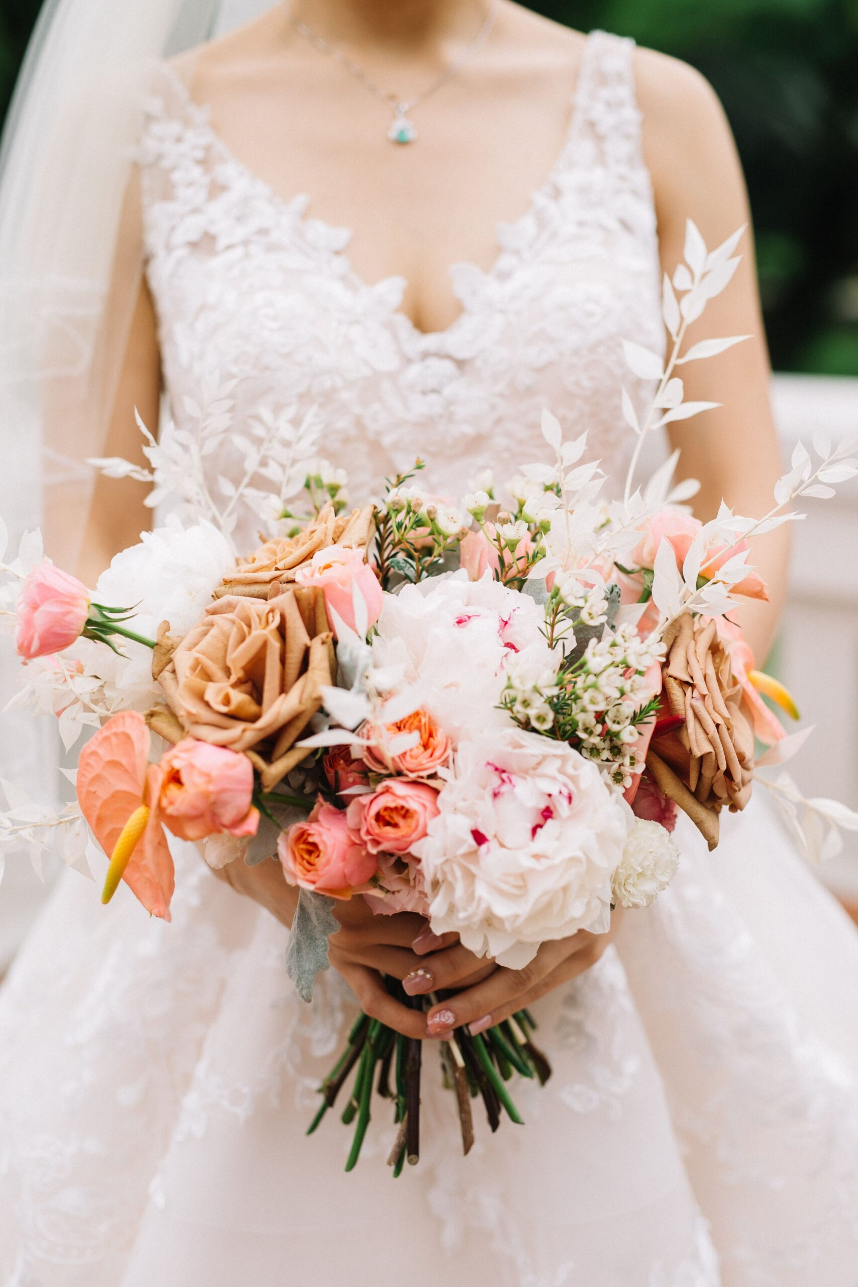 choose natural hand tied wedding bouquets for the wedding 5 - Choose Natural Hand Tied Wedding Bouquets for the Wedding