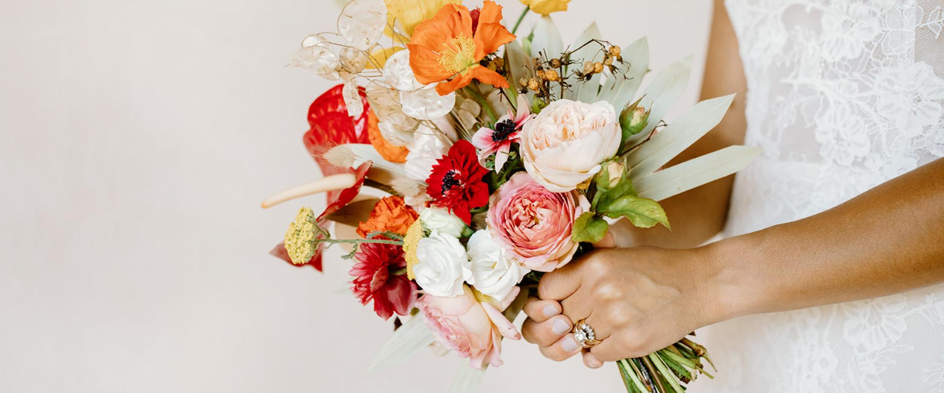 choose natural hand tied wedding bouquets for the wedding 7 - Choose Natural Hand Tied Wedding Bouquets for the Wedding