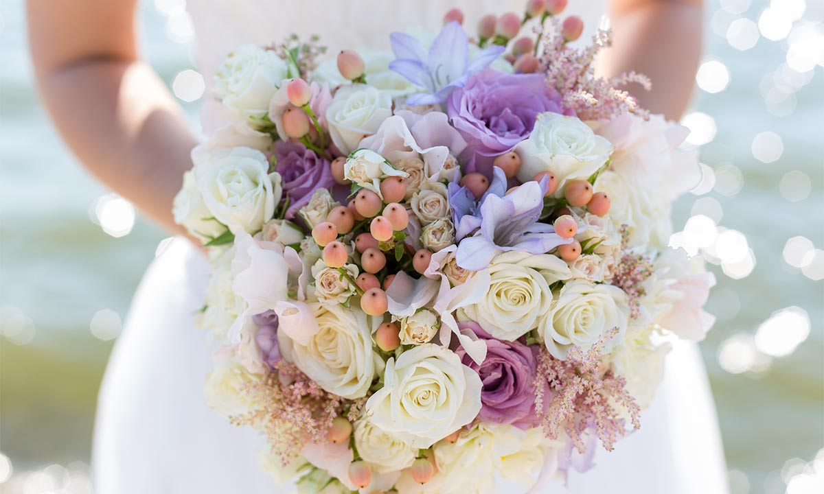 choose pink roses wedding bouquet for your wedding 7 - Choose Pink Roses Wedding Bouquet for Your Wedding