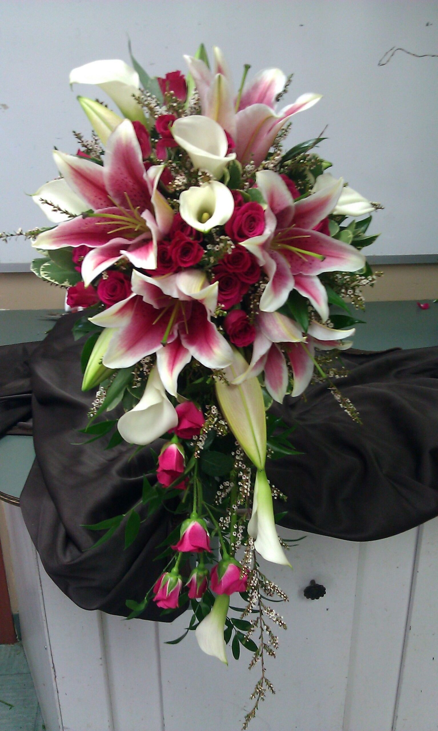 ideas for you to choose lilies wedding bouquet 1 1 scaled - Choose Artificial Hand-tied Wedding Bouquet for the Wedding