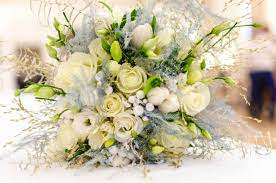 ideas to choose yellowish wedding bouquets for you 7 - Ideas to Choose Yellowish Wedding Bouquets for You