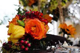 ideas to choose yellowish wedding bouquets for you 9 - Ideas to Choose Yellowish Wedding Bouquets for You