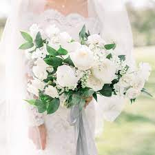 silk wedding bouquets to choose for the classy bridal 1 - Silk Wedding Bouquets to Choose for The Classy Bridal