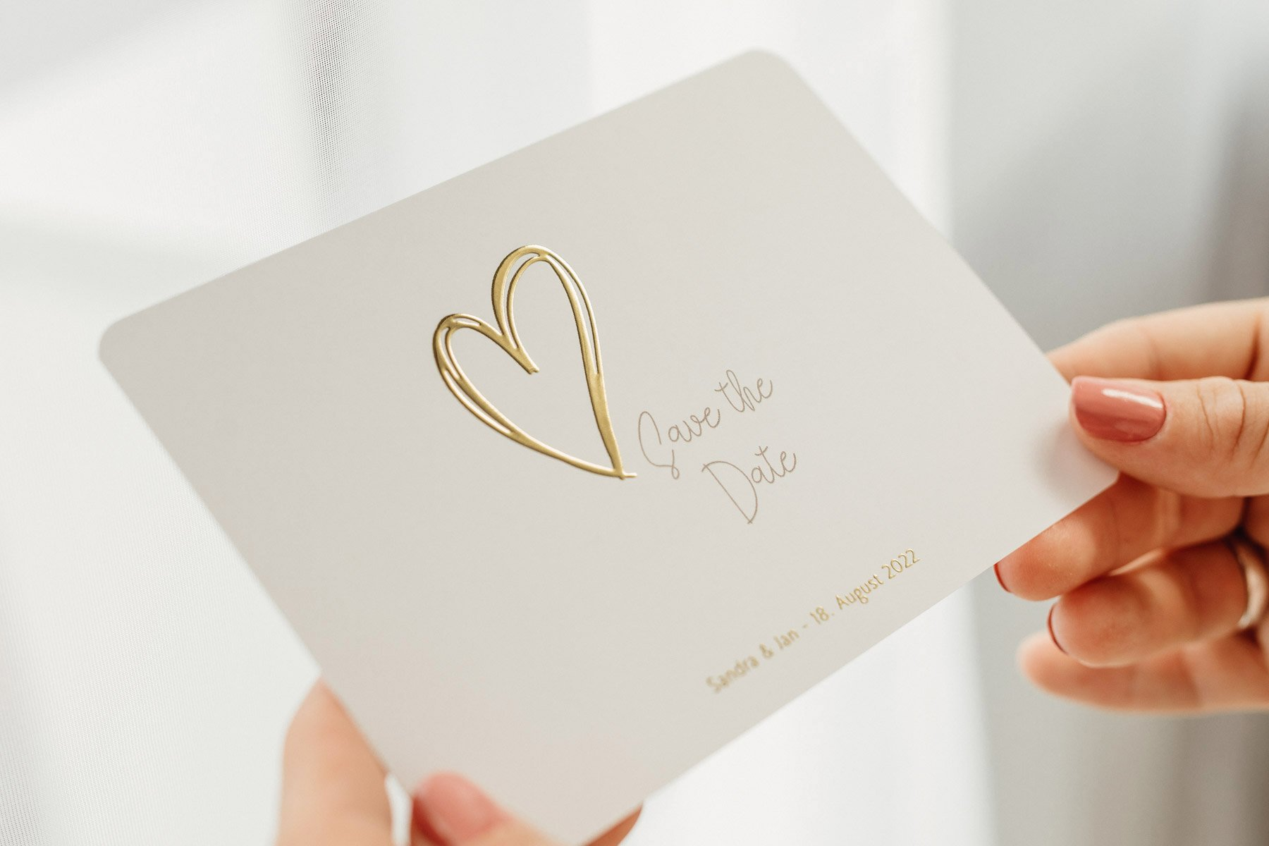 1633150643 882 Tips and ideas for your save the date cards - Tips and ideas for your save-the-date cards