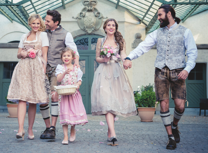 Bridal styling in traditional costume ideas for modern dirndl - Bridal styling in traditional costume - ideas for modern dirndl brides
